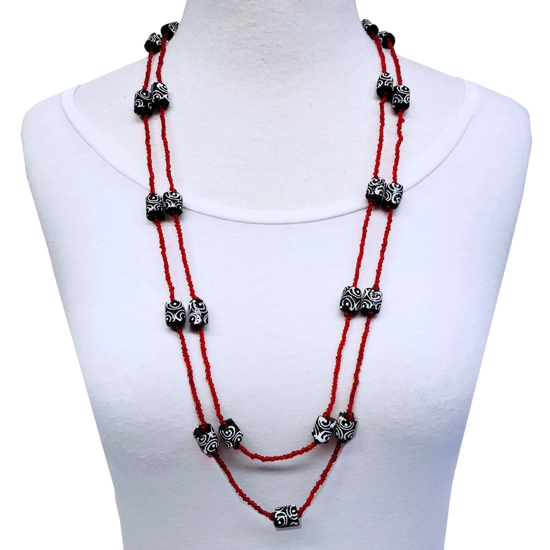 Picture of mali long necklace