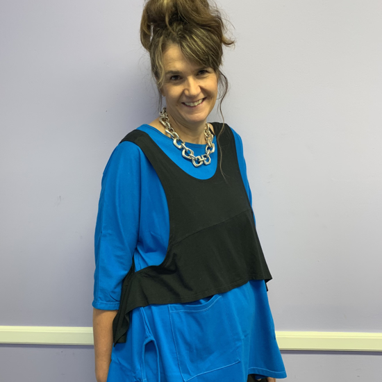 Picture of two-pocket peacock top